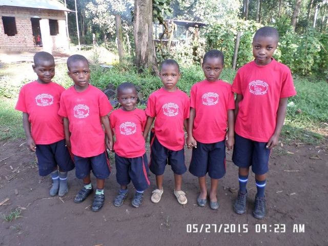 kisoro_may_2015_3_redsmallgroup